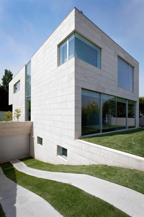 Open block the modern glass and concrete house design by for Modern concrete block house plans
