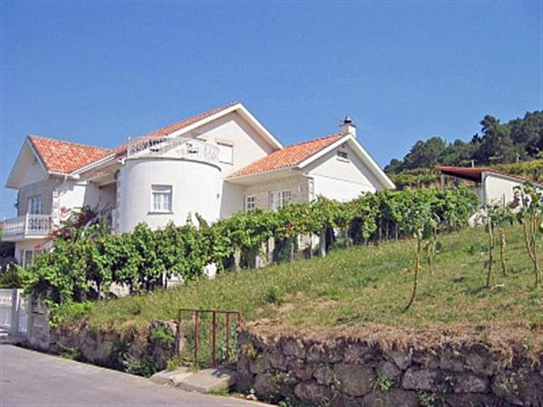 Country Villa Apartment Homes
