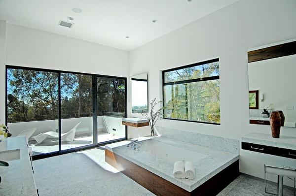 Luxury Contemporary Home Design Bathroom