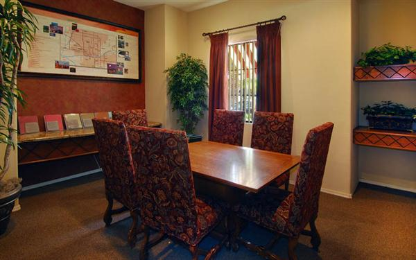 Mandarina Apartment Homes Dining Room