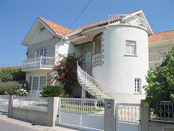 Modern Country Villa Apartment