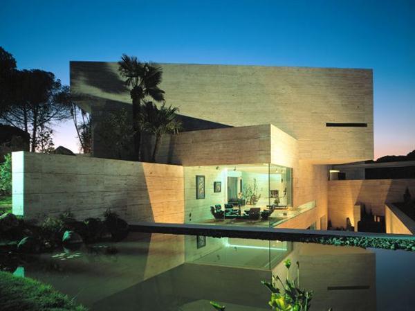 Modern Spanish House