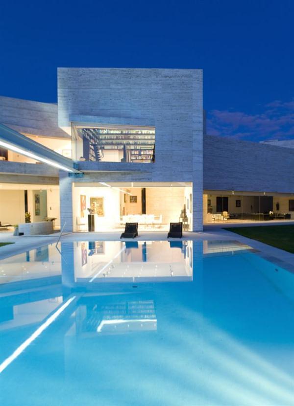 Luxury Modern Spanish House In Pozuelo De Alarc N By A Cero