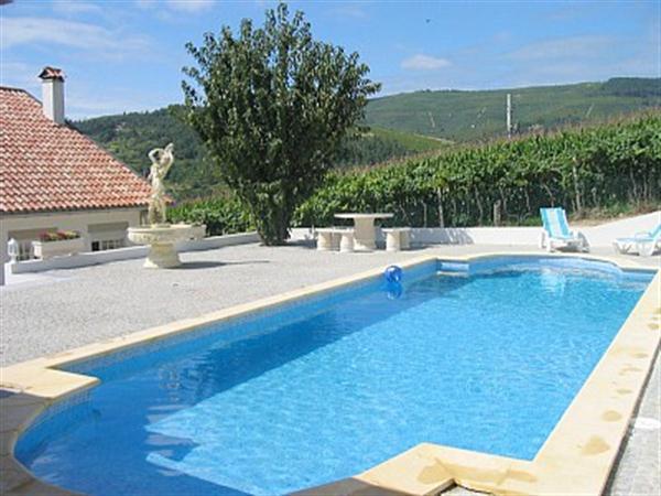 Swimming Pool Country Villa Apartments