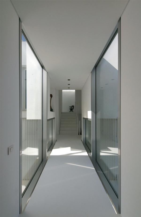 White Concrete House Halfway