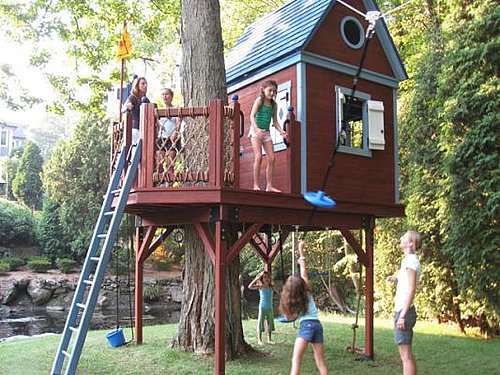 Tips to build coolest tree houses for your kids interior for Cool ideas for building a house